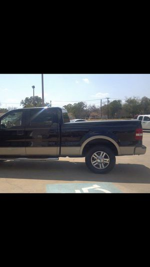 Tannau cover for a pick up truck extended cab in Texas fits 6 1-2 foot bed for Sale in Wichita Falls, TX