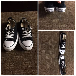 Converse chucks like new ladies/girls size 7 for Sale in Brentwood, NC