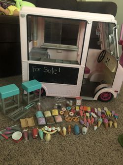 Ice Cream Truck with Accessories  for Sale in Marvin, NC