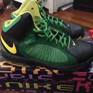 Nike Air Max Flywire Size 10 Condition 8-10 for Sale in Duboistown, PA
