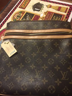 Louis Vuitton cross bag tag # M40044 for Sale in Columbus, OH