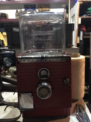 Antique Northwestern Embossed Glass 1 cent gumball machine with key for Sale in Fuquay Varina, NC