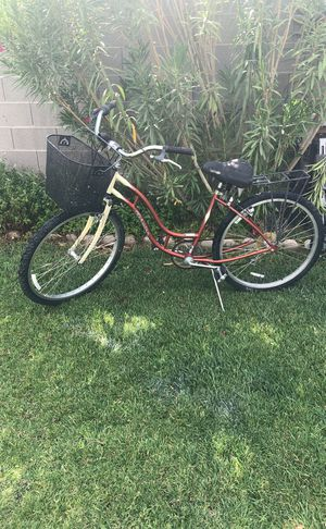 Vintage schwinn bike for women tires good $40 PRICE IS FIRM PICK ONLY NO DELIVER NO HOLDS NO TRADES for Sale in North Las Vegas, NV
