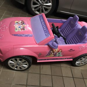 Electric Kids Car With Rechargeable Battery for Sale in Old Westbury, NY