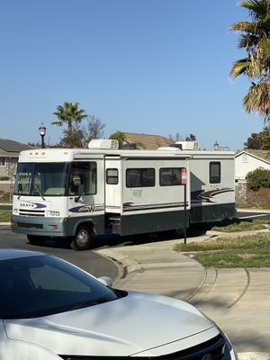 2001 Winnebago Brave 32 ft gas for Sale in Brentwood, CA