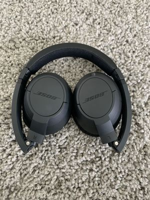 Bose on ear headphones for Sale in Sugar Land, TX