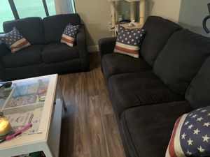 Sofa and loveseat set for Sale in Chandler, AZ