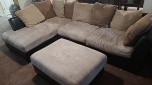 Brown sectional couch for Sale in Union City, GA