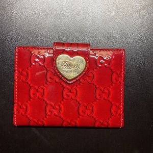 Red Enamel Gucci Women's Wallet for Sale in Chicago, IL