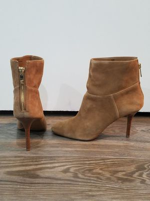 SUEDE LEATHER ANKLE BOOTS for Sale in San Antonio, TX