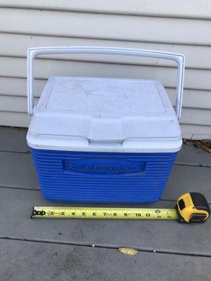 6 Qt Rubbermaid Cooler for Sale in San Antonio, TX