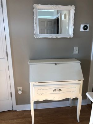 Beautiful refinished antique ladies off white writing desk/ matching mirror! for Sale in Plymouth, MA