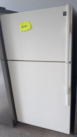 """33"""" old white top and bottom refrigerator excellent condition for Sale in Laurel, MD"""