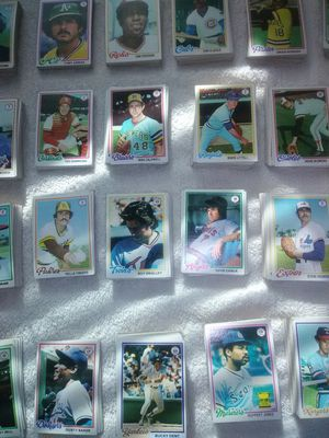 Group of 1978-79 Topps baseball cards for Sale in Lorain, OH