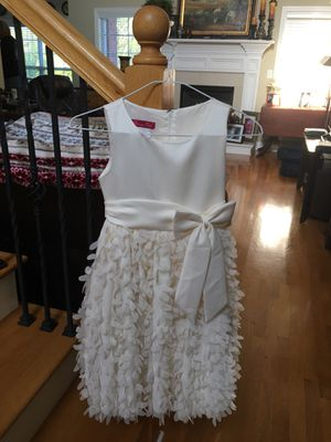 Girls wedding flower girl dress size 8 for Sale in Nashville, TN