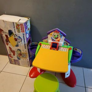 NEWWW FISHER PRICE PRESCHOOL CENTER TABLE AND CHAIR for Sale in Miami, FL