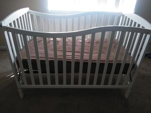 Baby Crib for Sale in Brooklyn, OH