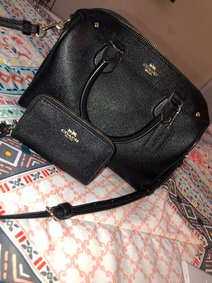 Coach matching wallet & purse for Sale in Tolleson, AZ