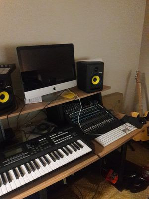 Music desk for Sale in Nashville, TN