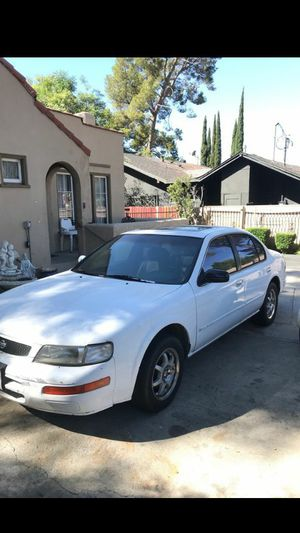 Nissan Maxima 1996 for Sale in Los Angeles, CA