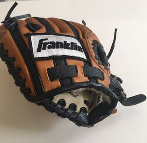 "Franklin baseball glove mitt leather 10"" youth series 46212TB for Sale in Jackson, NJ"