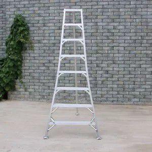 8ft tallman tripod orchard ladder for Sale in Edmonds, WA