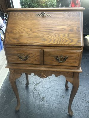 Antique desk table for Sale in Columbus, OH