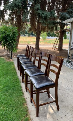 6 bar height chairs. for Sale in East Wenatchee, WA