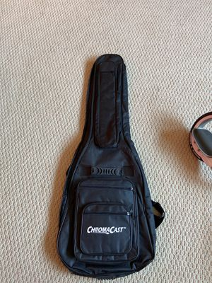 $30.00 ChromaCast Acoustic Guitar 6-Pocket Padded Gig Bag Case Fits Most Guitars for Sale in Orland Park, IL