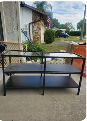 Metal TV stand/shelf for Sale in Tampa, FL