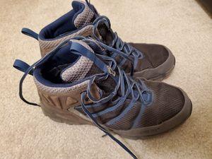 Inov 8 Roclite 390 GTX waterproof hiking boots men's size 9 for Sale in Seattle, WA