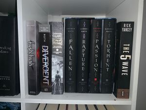 Teen fiction books for Sale in Chesapeake, VA
