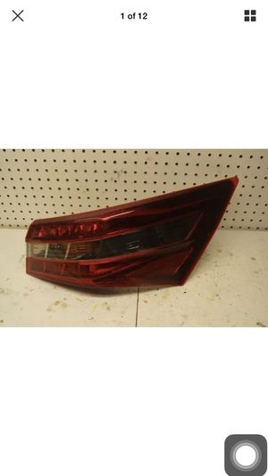2013 2014 2015 Toyota Avalon Right Side LED Tail Light OEM for Sale in Gardena, CA