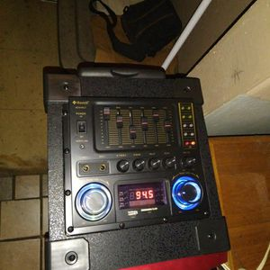 Dual 8 Inch 5800 Watts range USB Bluetooth DJ Ready for Sale in Tempe, AZ