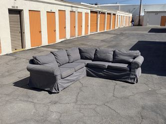 Blue Sectional Couch/Sofa (FREE DELIVERY) for Sale in Los Angeles,  CA