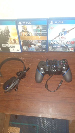 3 PS4 games a ps4 headphones for Sale in Zachary, LA