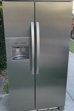Electrolux Fridge Refrigerator Refrigerador FREE DELIVERY for Sale in Long Beach, CA