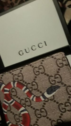 Gucci wallet for Sale in Conyers, GA