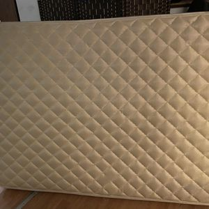 Free queen size mattress for Sale in Camas, WA
