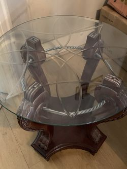 Round Glass Top Coffee Table for Sale in Los Angeles,  CA