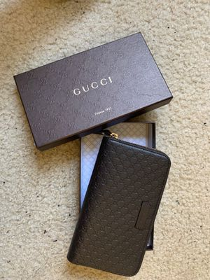 Gucci wallet purse for Sale in Los Angeles, CA