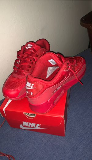 NIKE AIR MAX 90 ESSENTIAL for Sale in San Jose, CA
