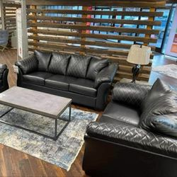 🤙🤙2-Piece Living Room Set, In STOCK, Ashley Brand 🤙🤙 for Sale in Greenbelt,  MD