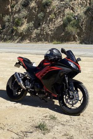 2016 Kawasaki Ninja Motorcycle - *READ DESCRIPTION* for Sale in Corona, CA