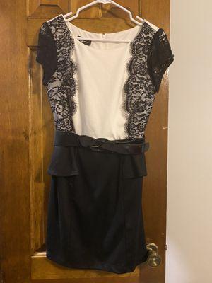 Black and white formal dress for Sale in Lenexa, KS