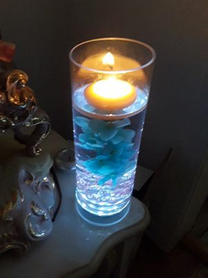 set of four lighted vase with flowers with Crystal floating candle for Sale in Los Angeles, CA