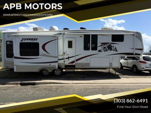 2007 keystone Everest 5th wheel for Sale in Commerce City, CO