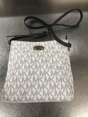 PRE-OWNED MICHEAL KORS BAG IN EXCELLENT CONDITION for Sale in Jessup, MD
