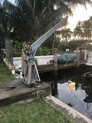 2 boat DAVITS, boat lifts for Sale in Fort Lauderdale, FL