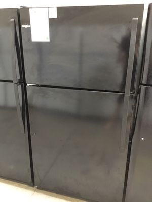 """New Whirlpool 33"""" Wide Top Mount Fridge With Ice Maker ❄️ for Sale in Chandler, AZ"""